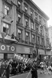 Cukrászda a Sztálin úton 1950-ben (forrás: Fortepan, kovácsmártonernő)