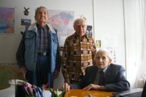 v. Krasznai Béla (jobbra) és egykori recski társai